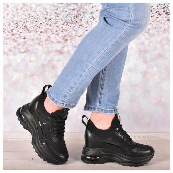 Дамски обувки в черно