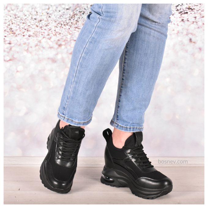 Черни спортни обувки - дамски