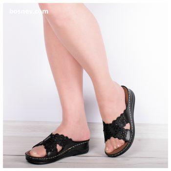 Дамски чехли в черно 112-1